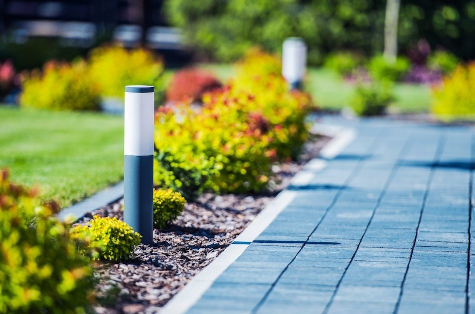 How the Right Landscaping Can Perk Up Your Home